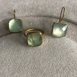 Jewelry - Light green stone with brushed gold earrings ring